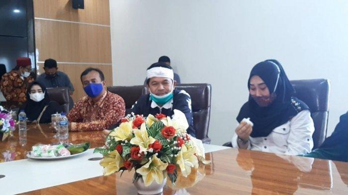 Dedi Mulyadi Janjikan Beasiswa Agesti Hingga S3 Doktor Damaikan Pertikaian Ibu & Anak di Demak