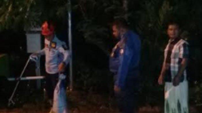 Korban Langsung Demam & Sesak Napas Pria Ini Dipatok Ular Kobra saat Hendak Masukkan menuju Karung