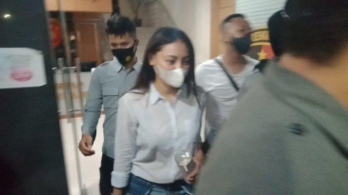 Polisi Periksa Pramugari & Pegawai Bank Sebagai Saksi Kasus Prostitusi TA Selain Sassha Carissa