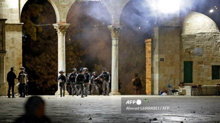 14 Warga Palestina Terluka 4 Dirawat di Rumah Sakit Bentrokan Pecah Lagi di Yerusalem Timur
