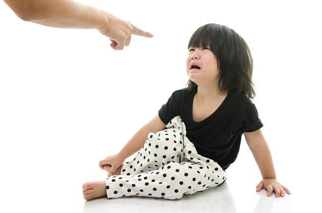 4 Cara Mengatasi Anak Tantrum yang Benar