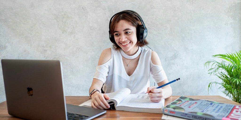 Tips Meraih Skor TOEFL Tes Online Tinggi