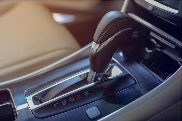 6 Arti Kode Matic yang Tertera di Sisi Tuas Mobil Transmisi Otomatis